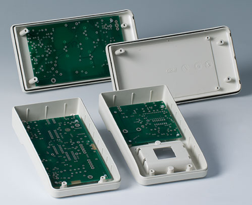 Fastening pillars for PCB mounting
