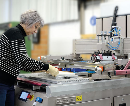Silk-screen printing at OKW