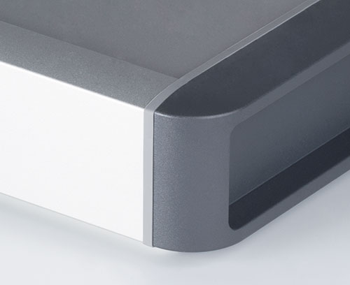 High-quality surfaces with anodised case body, designer seals and plastic side covers