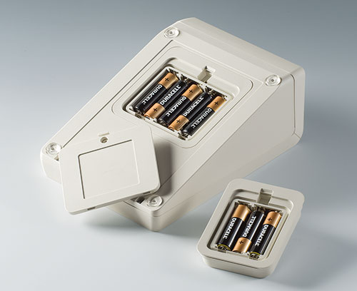 Battery compartment 3 x AA / 5 x AA cells